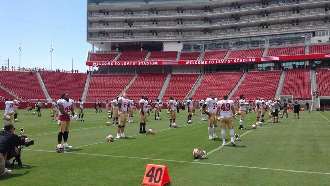 49ers practice at Levis Stadium