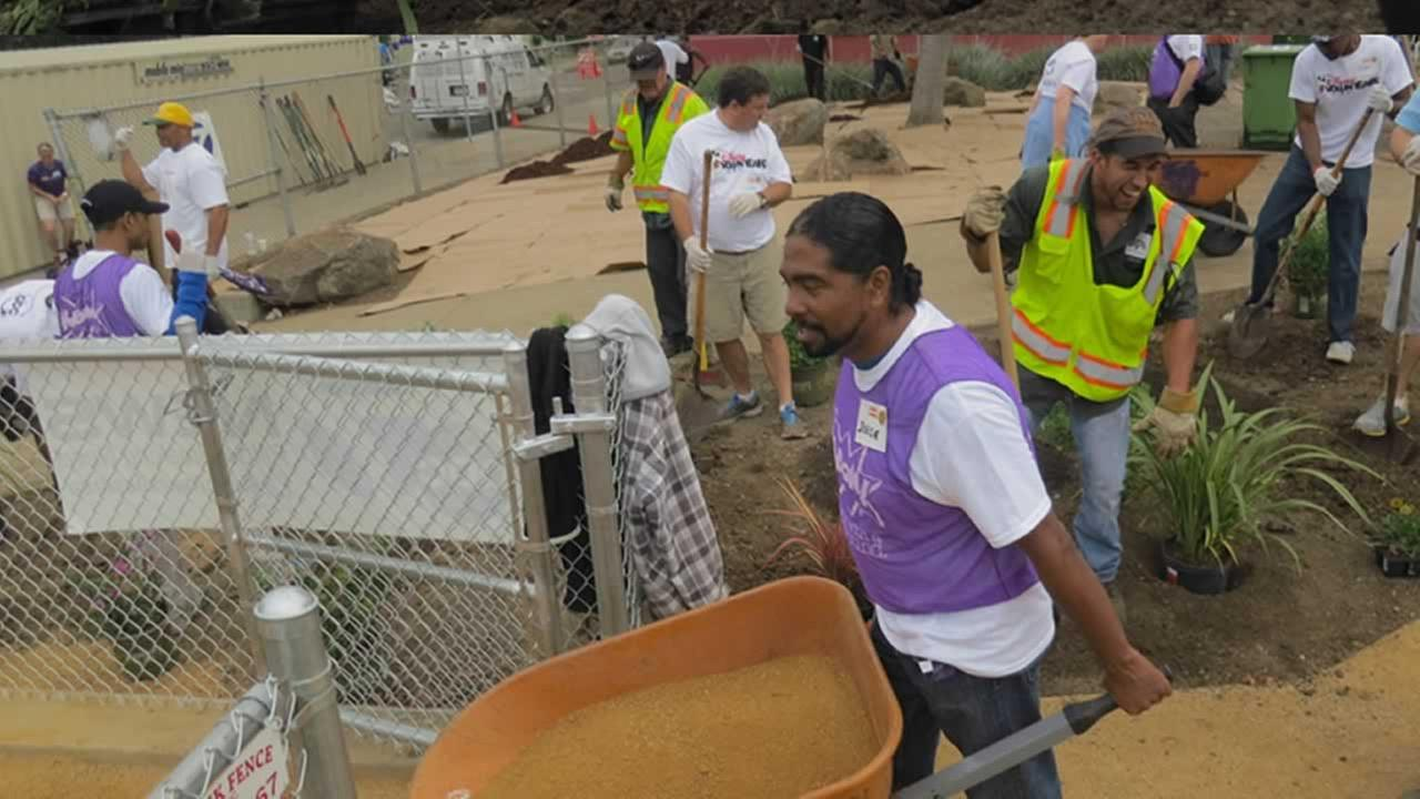 ABC7 and KaBOOM team up to build a dream playground in the Millsmont neighborhood in East Oakland, California, August 8, 2014.(Photo: ABC7 News reporter Wayne Freedman)