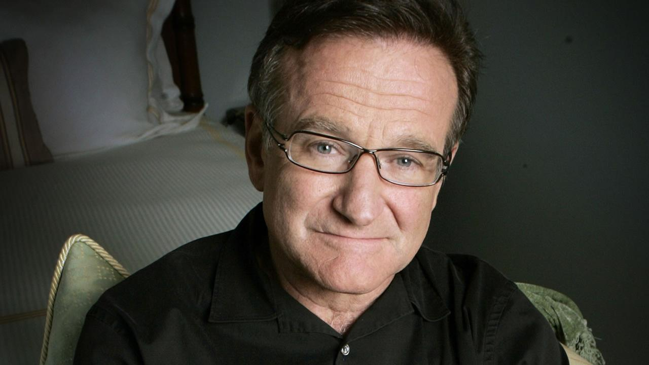 This June 15, 2007 file photo shows actor and comedian Robin Williams posing to promote his film, License To Wed in Santa Monica, Calif. (AP Photo/Reed Saxon, File)