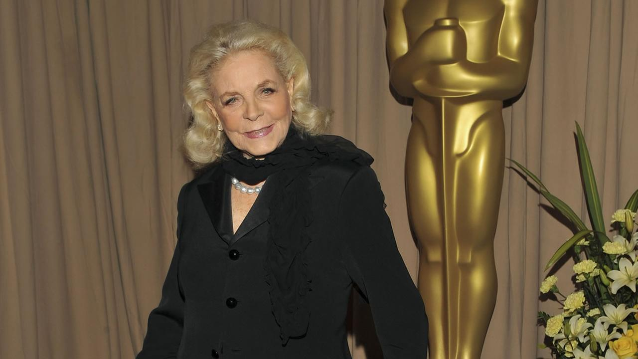 Lauren Bacall poses backstage during the 82nd Academy Awards Sunday, March 7, 2010.
