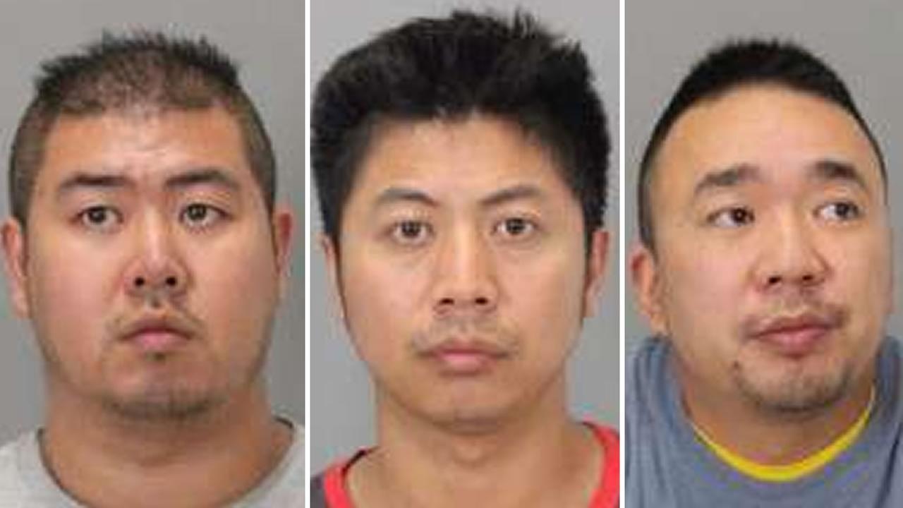 From left to right: An Yan, Lin Tao, Panpan Huang.