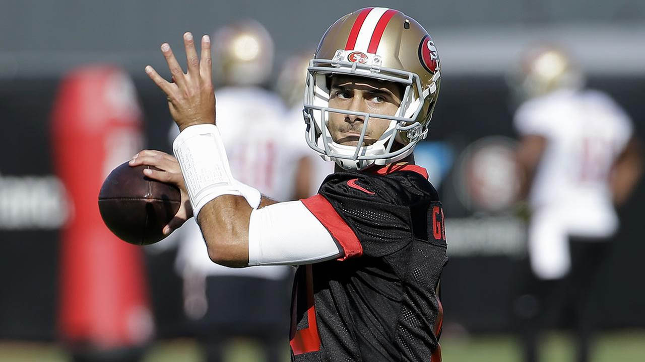 San Francisco 49ers quarterback Jimmy Garoppolo throws during a practice at the teams NFL training facility in Santa Clara, Calif., Wednesday, Nov. 1, 2017.