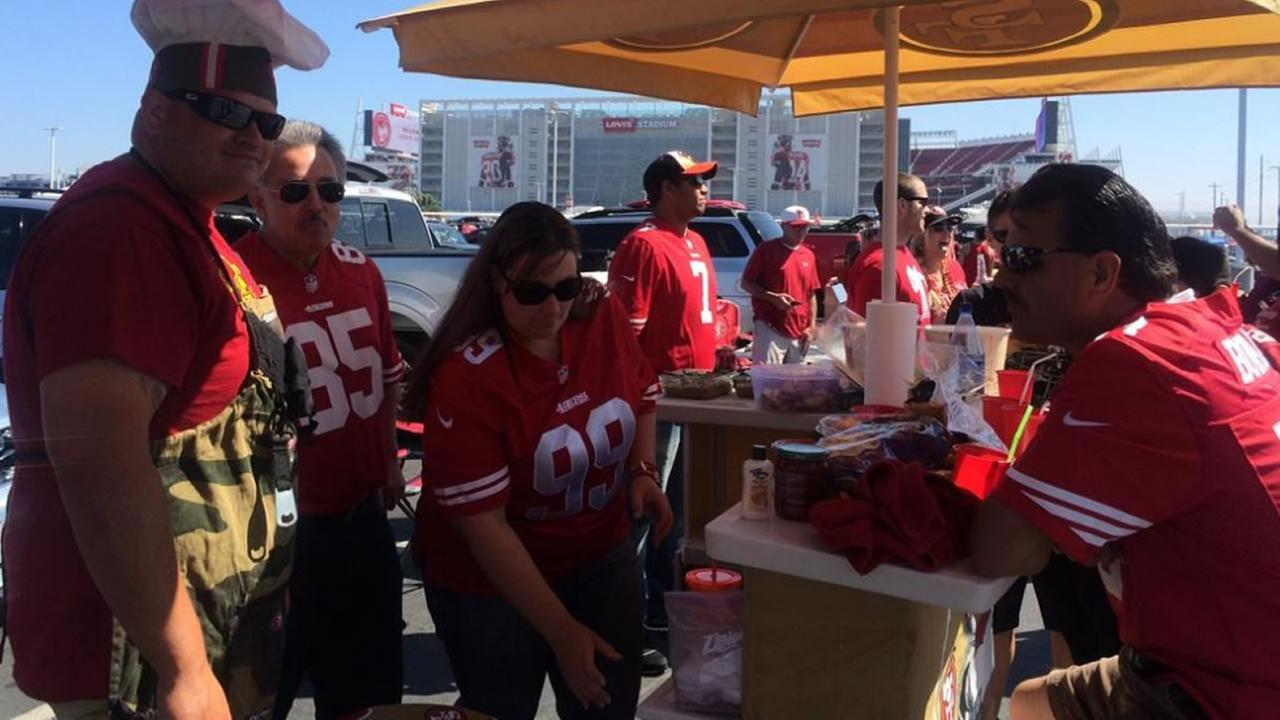 49ers fans at preseason game