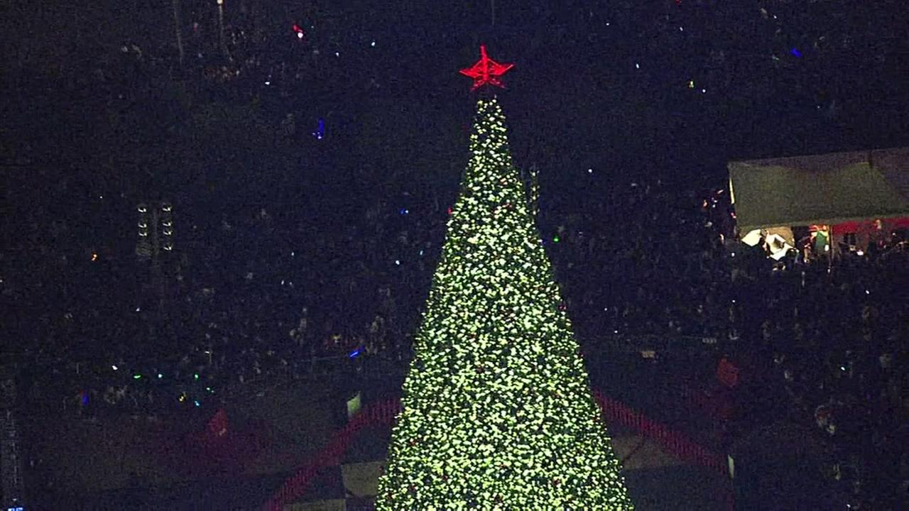 Sky7 was over the Christmas tree lighting in Union Square in San Francisco in 2016.