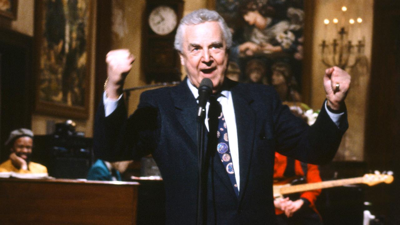 This March 14, 1992 photo provided by NBC shows announcer Don Pardo on the set of Saturday Night Live.