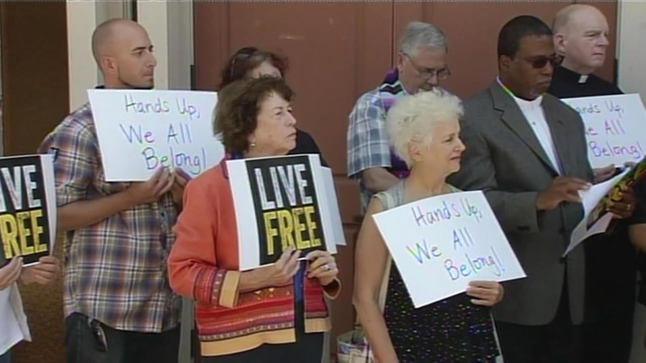 Bay Area residents call for solidarity with people in Ferguson, Mo.