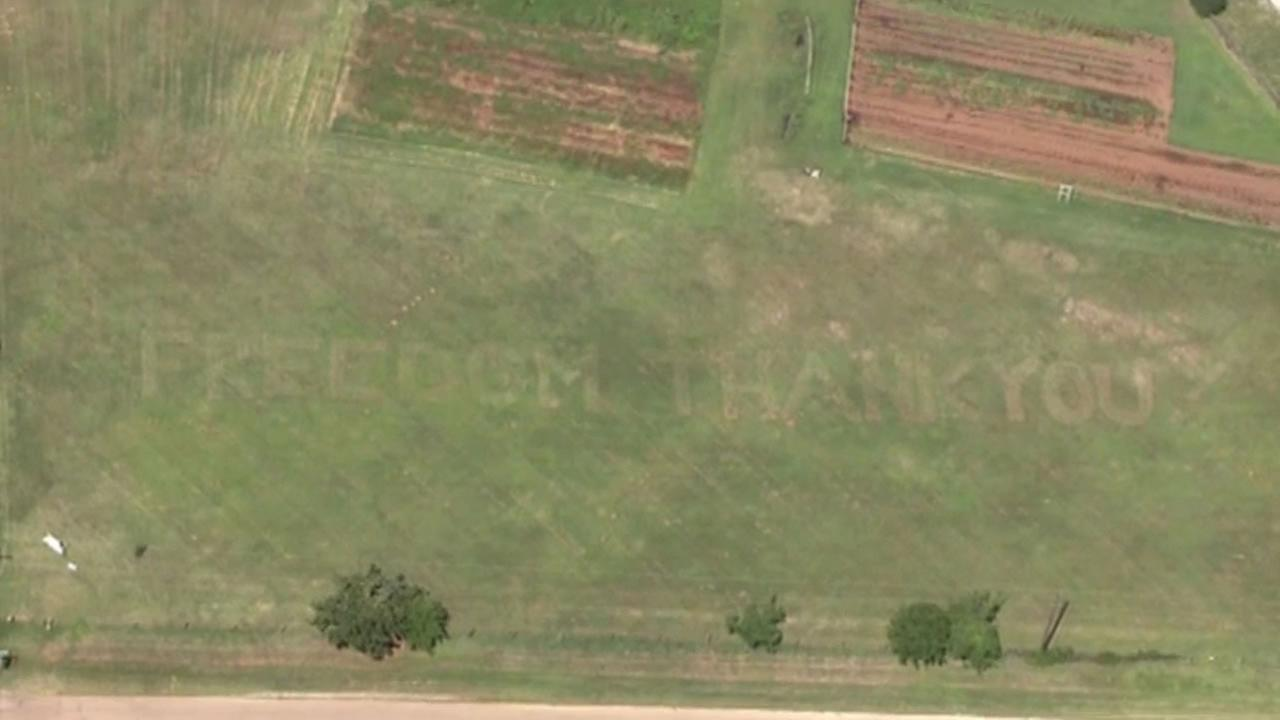 An Oklahoma farmer has found a way to thank the men and women of the Air Force, and they can only see it while theyre working.