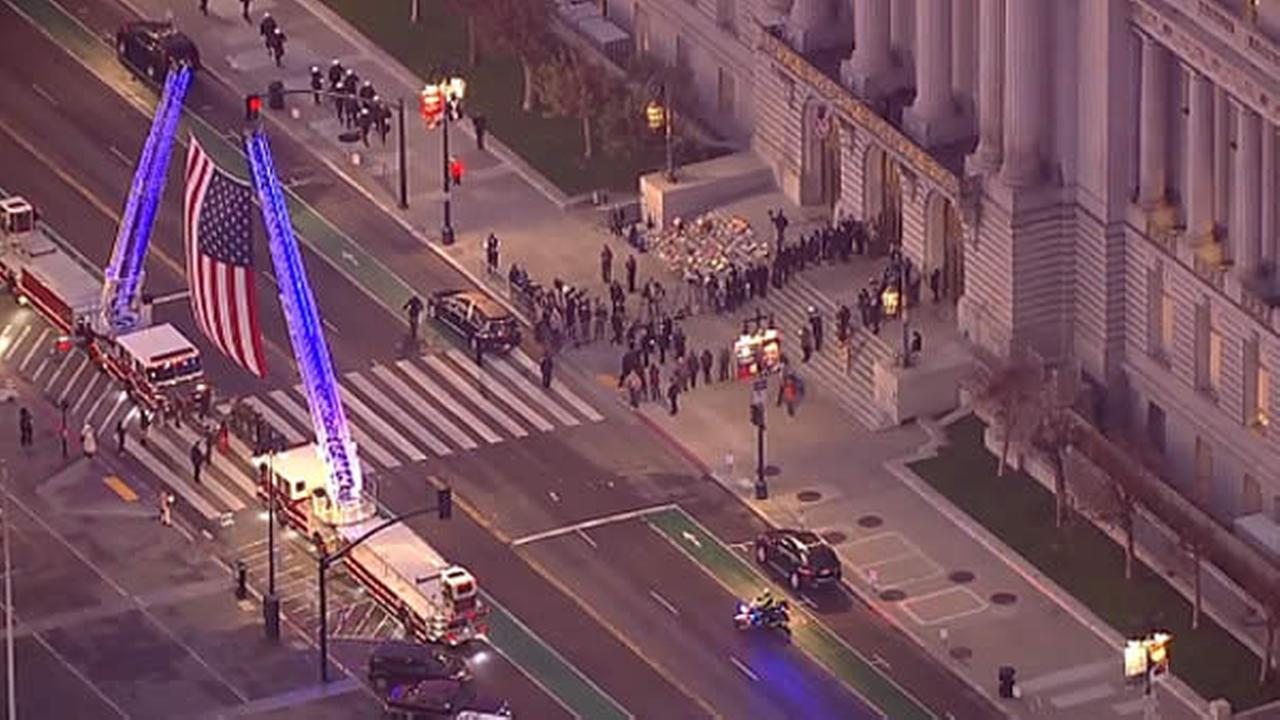 WATCH LIVE: Public viewing of late Mayor Ed Lee at SF City Hall