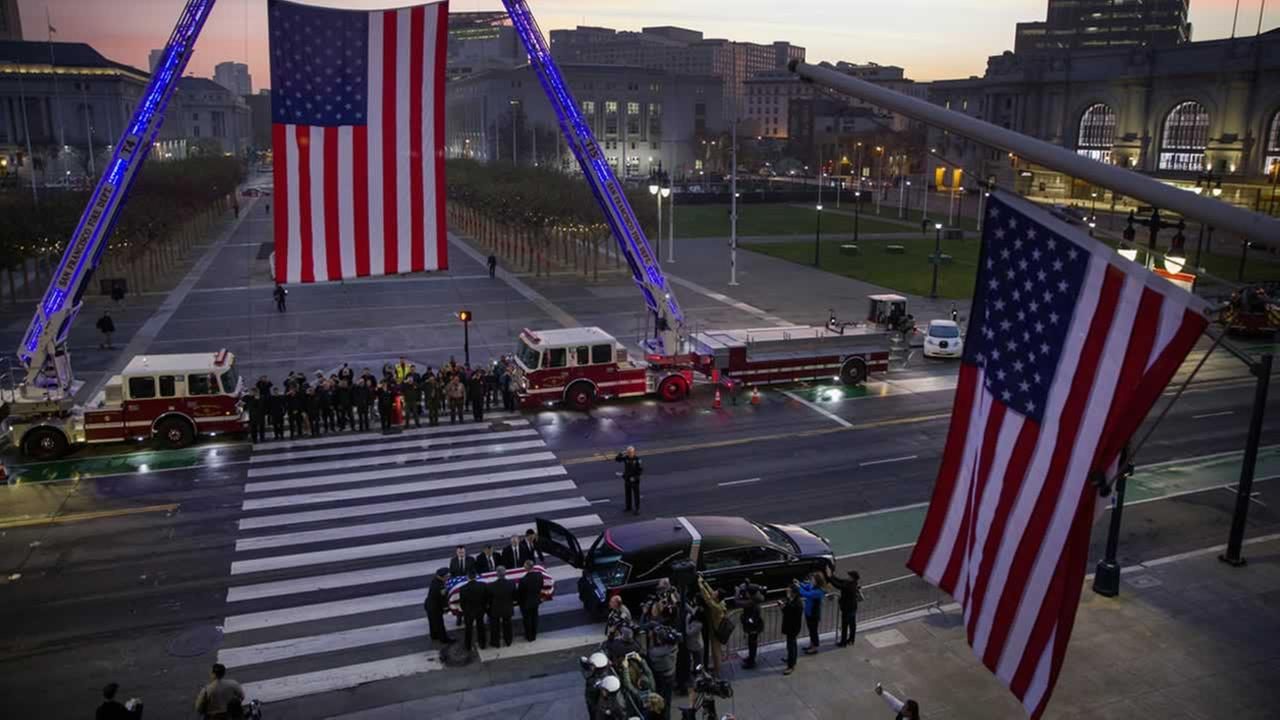 City officials line up to pay their respects to the late San Francisco Mayor Ed Lee outside City Hall on Friday, Dec. 15, 2017.Santiago Mejia / The San Francisco Chronicle