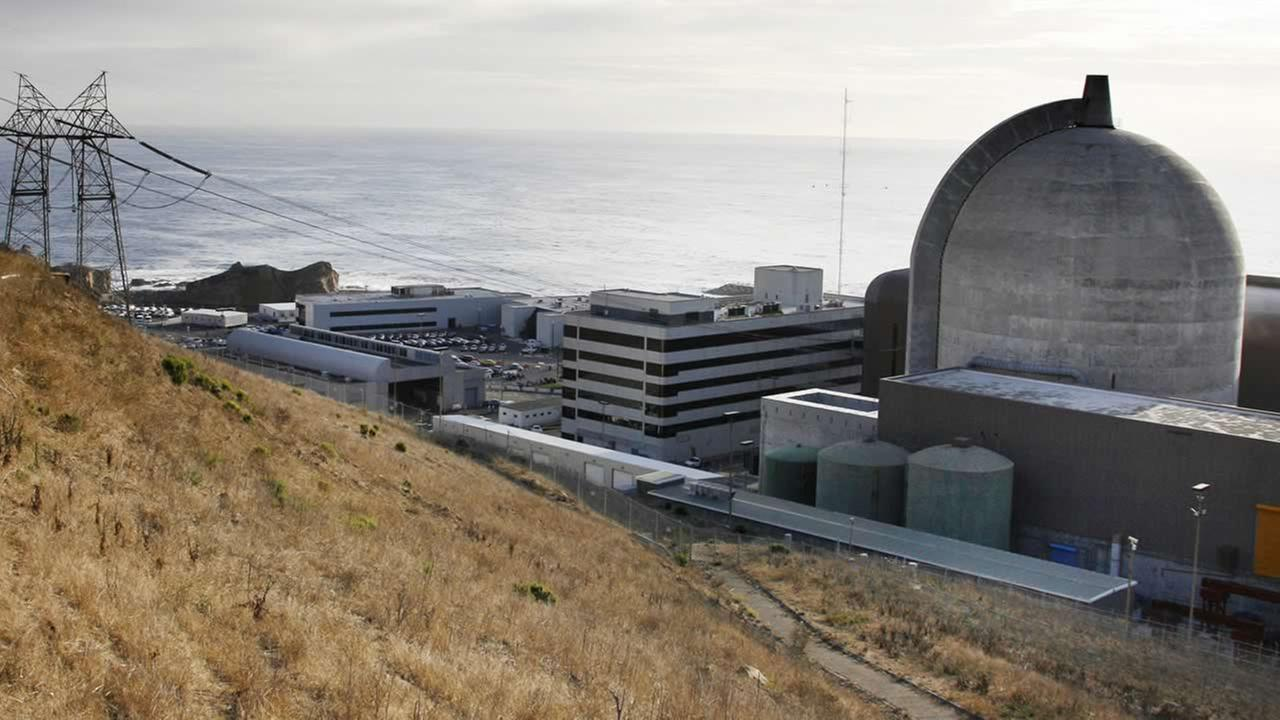 This Monday Nov. 3, 2008, file photo, shows one of Pacific Gas and Electrics Diablo Canyon Power Plants nuclear reactors in Avila Beach on Californias central coast. (AP Photo/Michael A. Mariant, File)