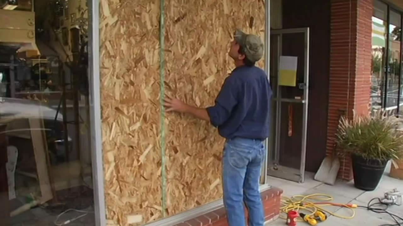 Downtown Napa business damaged in quake.