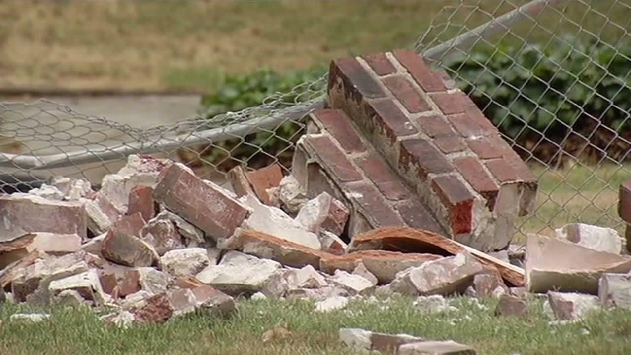 Quake damage in Vallejo, Monday, Aug. 25, 2014. (ABC7 News reporter Alan Wang)