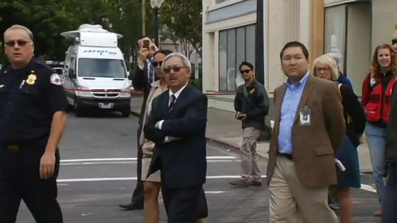 San Francisco Mayor Ed Lee tours earthquake damage in downtown Napa.