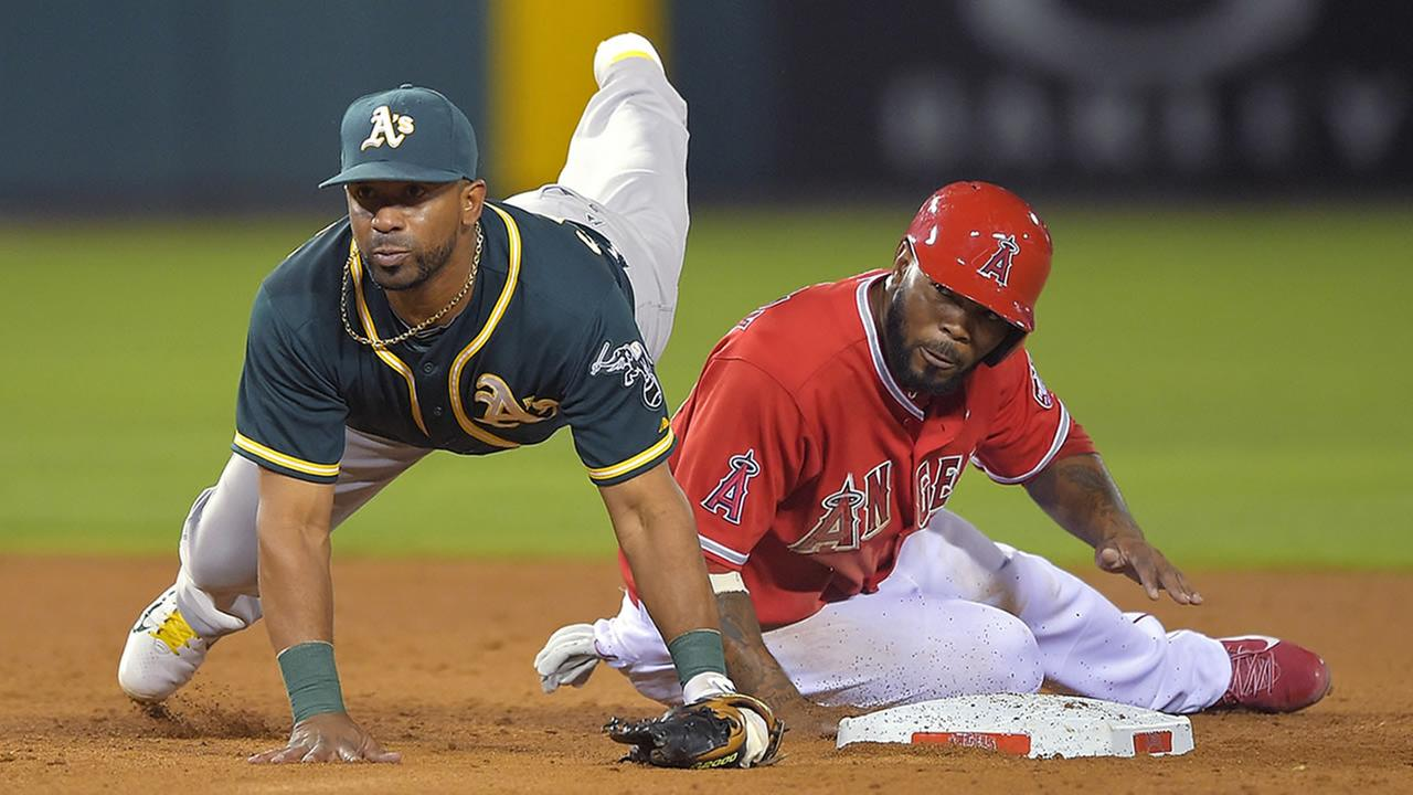 Oakland Athletics second baseman Alberto Callaspo