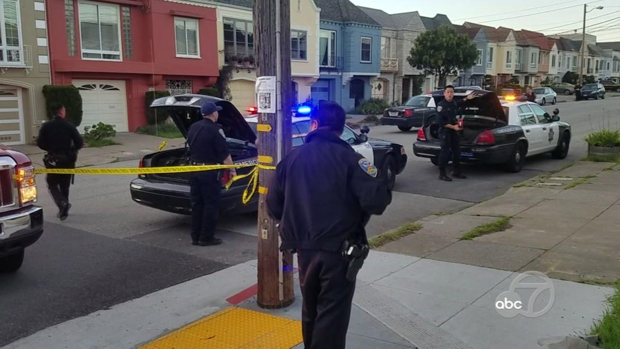 Officials investigate a shooting in San Franciscos Sunset District on Friday, Jan. 19, 2018.