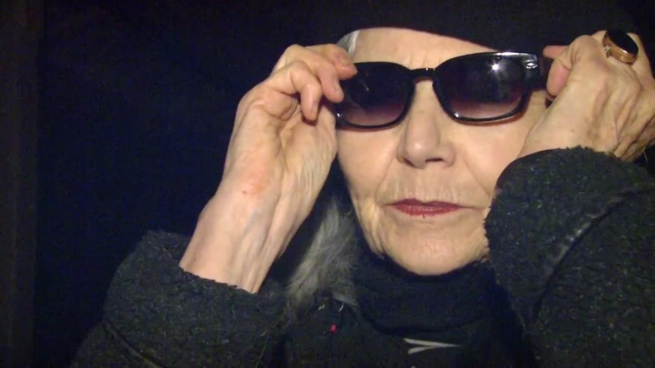 A San Rafael, Calif. resident puts on sunglasses on Thursday, Jan. 25, 2018.