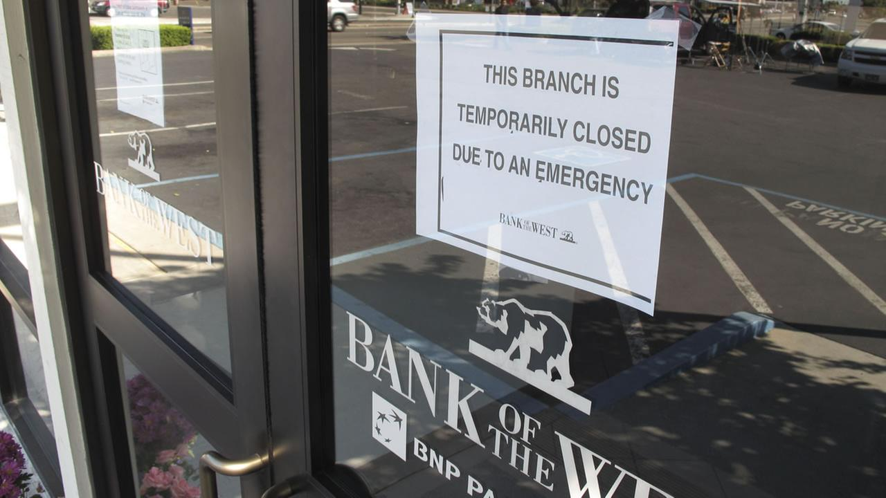 A closed sign on a Stockton, Calif. bank after a robbery.