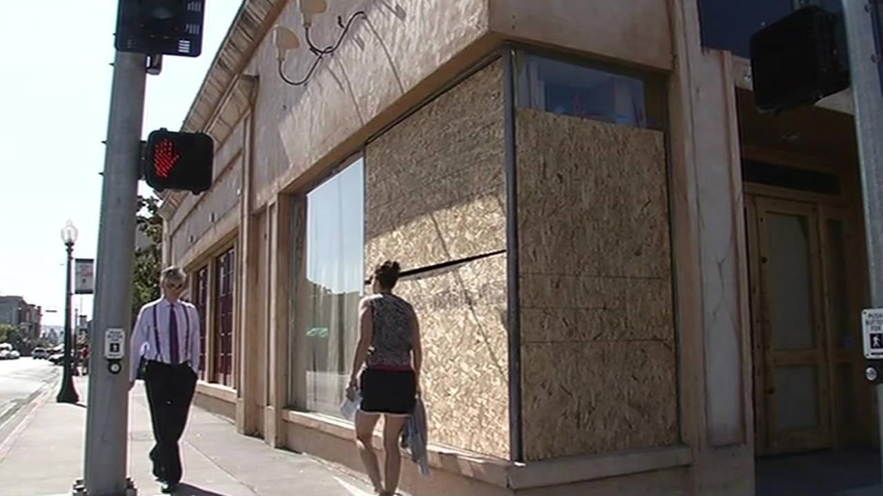 Building boarded up after Napa earthquake.