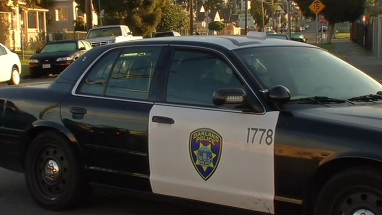 Criminal charges filed against another Oakland officer in connection to sex scandal