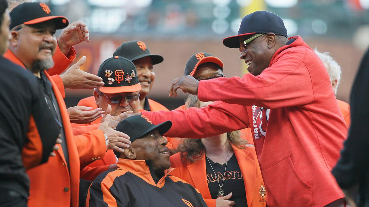 Dusty Baker returns to Giants in front office role