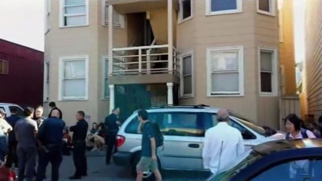 San Francisco police clear 16 squatters from six unit building.