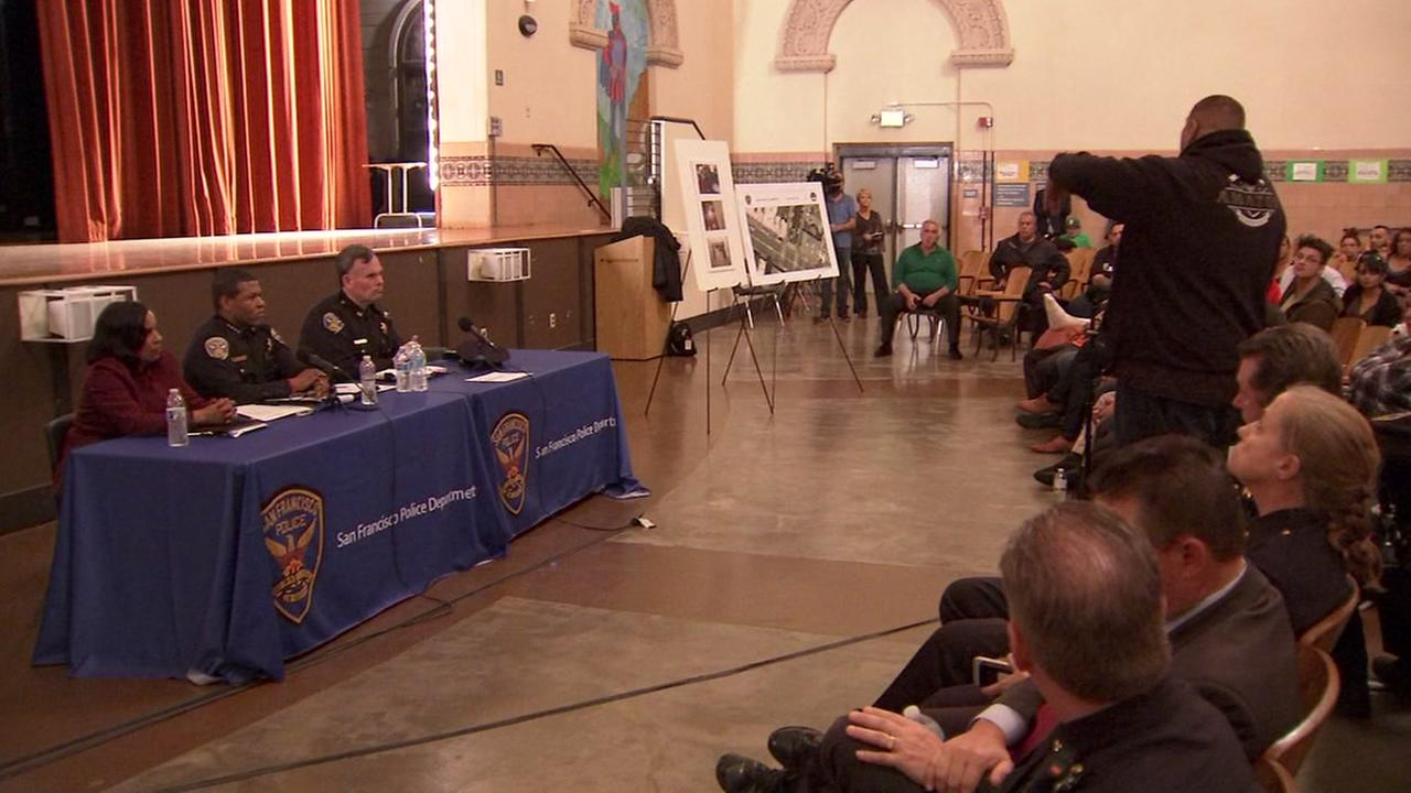 San Francisco police hold a town hall meeting on Thursday, March 29, 2018.