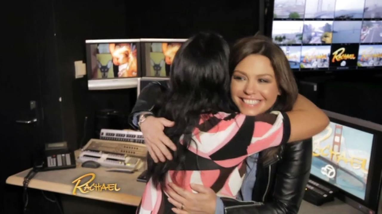 Rachael Ray surprises Bay Area superfan.