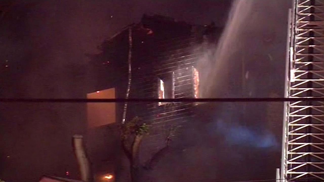 fire on Redding Street in Oakland