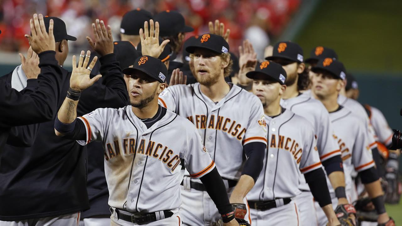 Giants celebrate win over Nationals.