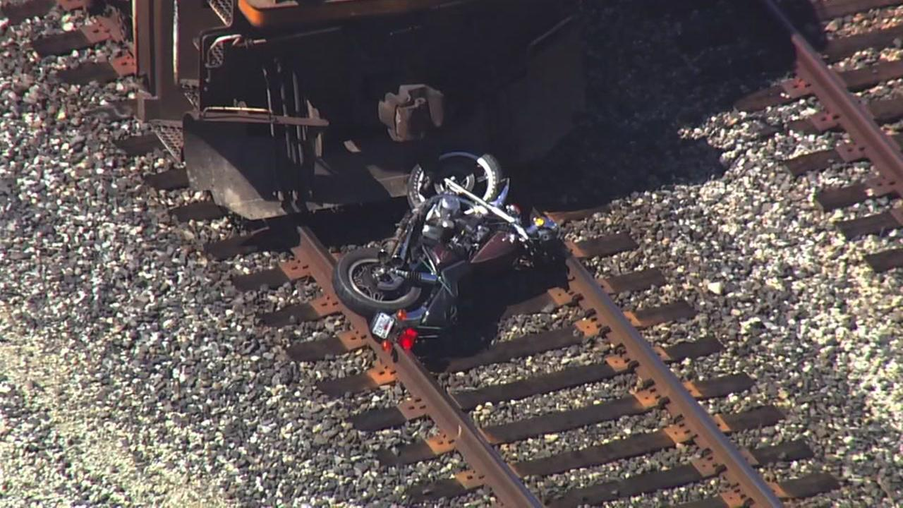 Motorcyclist injured after accident involving train in East Oakland