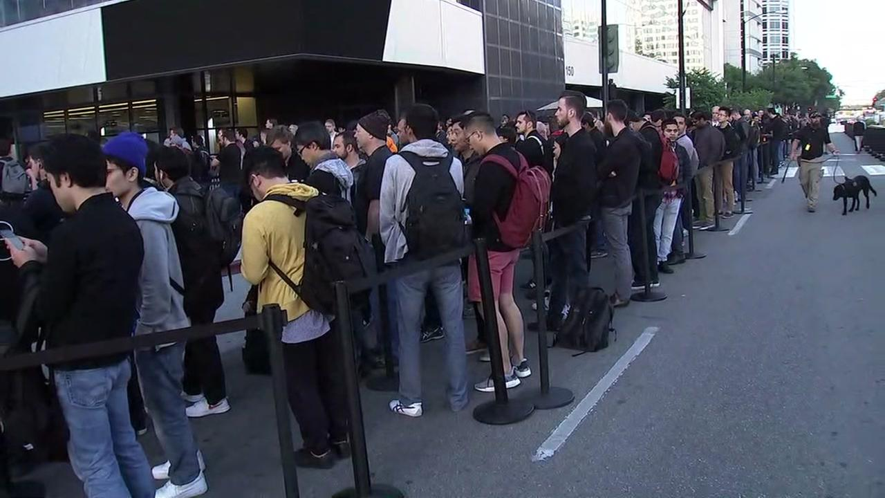 Line for Apples World Wide Developers Conference in San Jose, California on Monday, June 4, 2018.