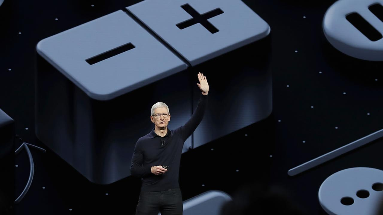 Apple CEO Tim Cook waves after speaking during an announcement of new products at the Apple Worldwide Developers Conference Monday, June 4, 2018, in San Jose, Calif.