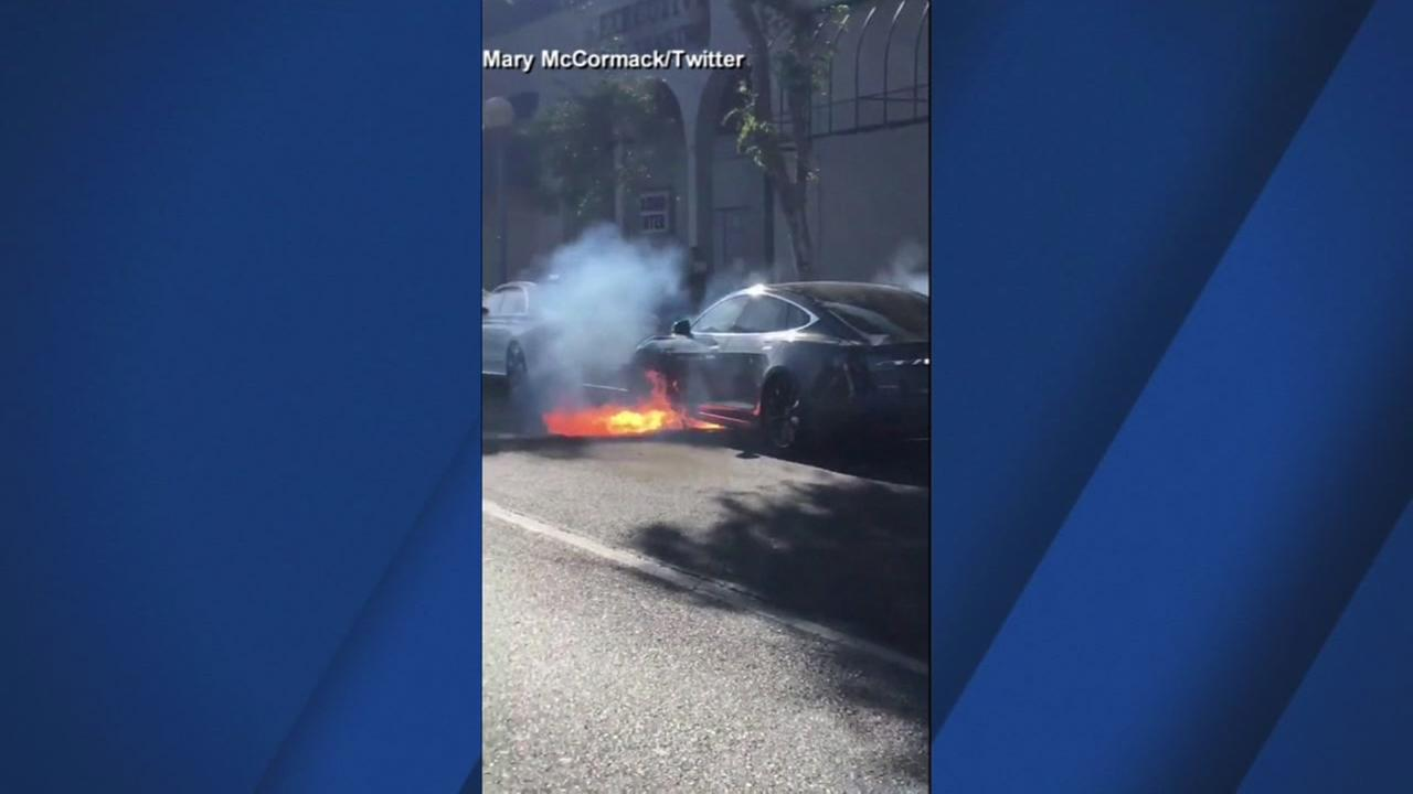 Video was captured of the moment a Tesla burst into flames in Los Angeles on Saturday, June 16, 2018.