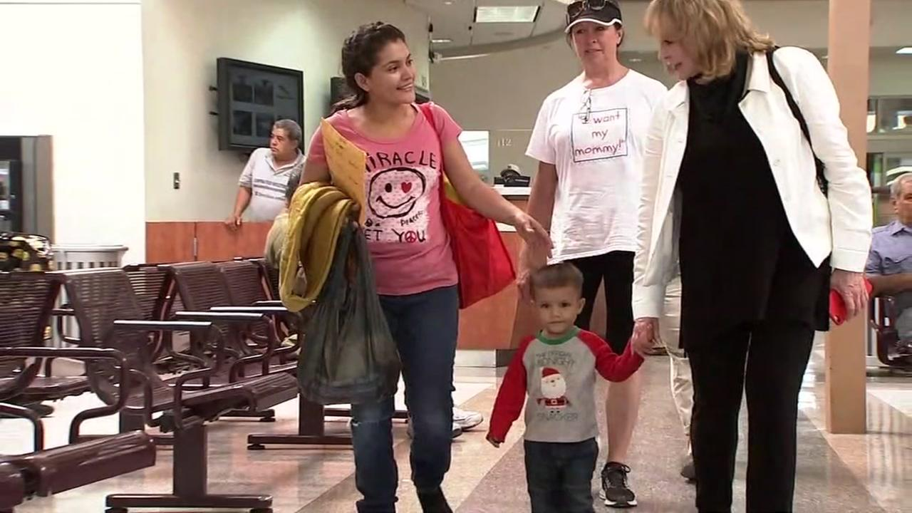 ABC7s Cheryl Jennings walks with a group of undocumented immigrants in McAllen, Texas on Saturday, June 23, 2018.