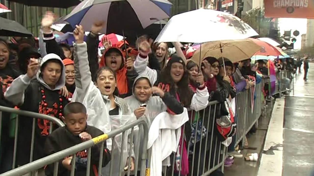 Thousands of people came out to celebrate during the San Francisco Giants 2014 Victory Parade in San Francisco, October 31, 2014. (ABC7 News)
