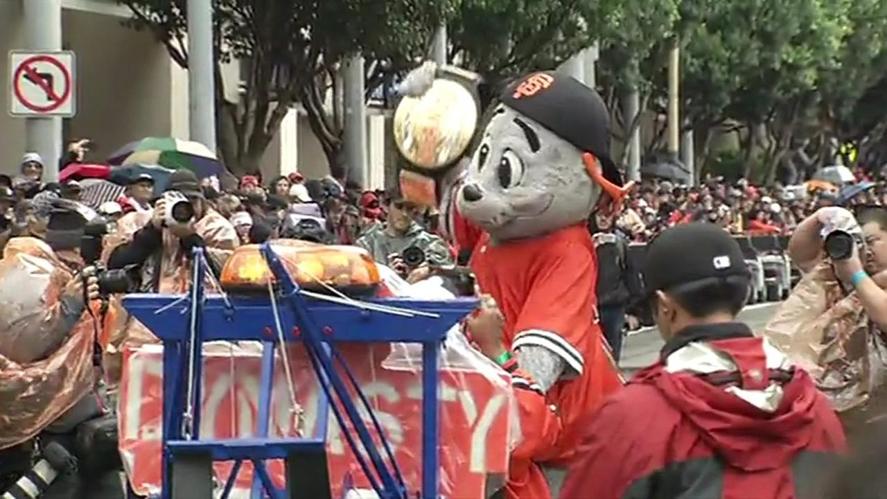 Lou Seal celebrating during the San Francisco Giants 2014 Victory Parade in San Francisco, October 31, 2014. (ABC7 News)
