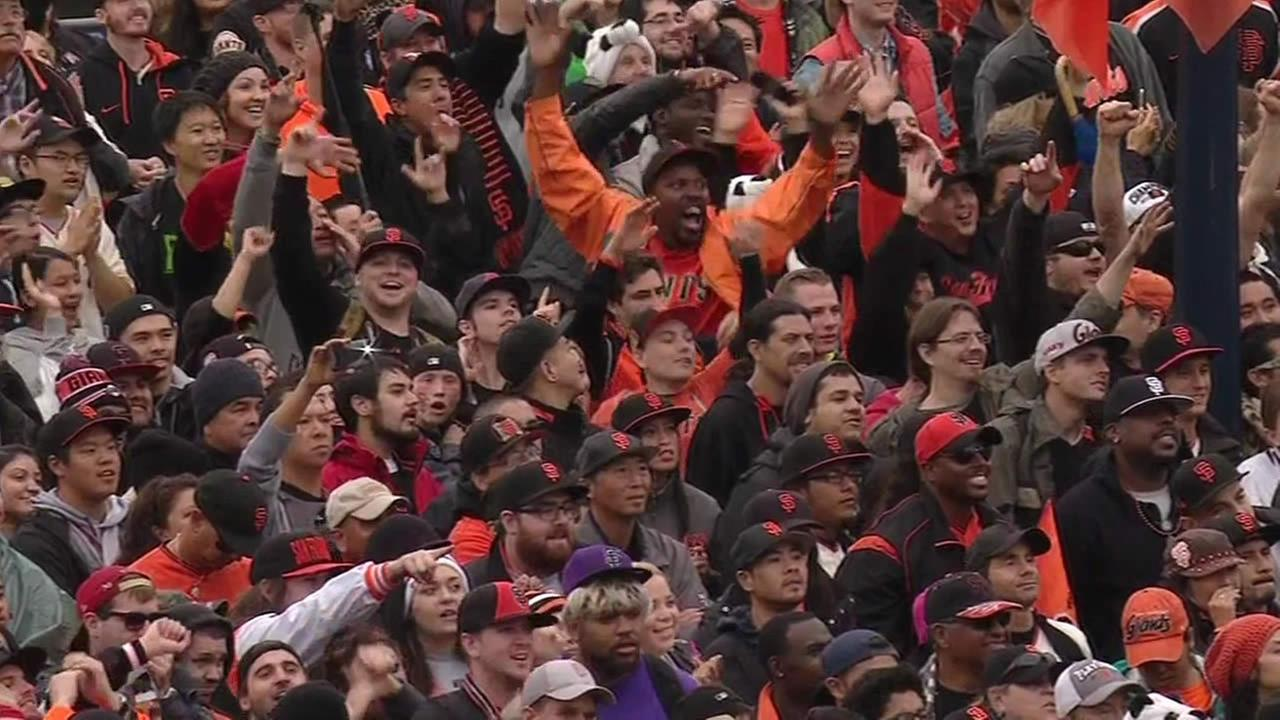Thousands of people gathered at Civic Center Plaza for a big rally following the San Francisco Giants 2014 Victory Parade in San Francisco, October 31, 2014. (ABC7 News)
