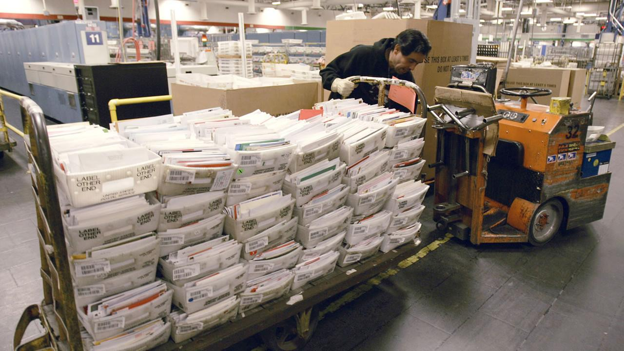 Post Office will make Sunday deliveries to meet holiday demand