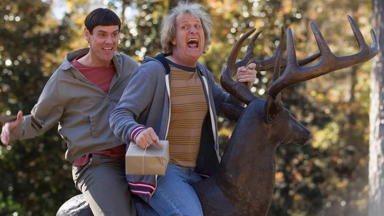 This image released by Universal Pictures shows Jim Carrey, left, and Jeff Daniels in a scene from Dumb and Dumber To. (AP Photo/Universal Pictures, Hopper Stone)
