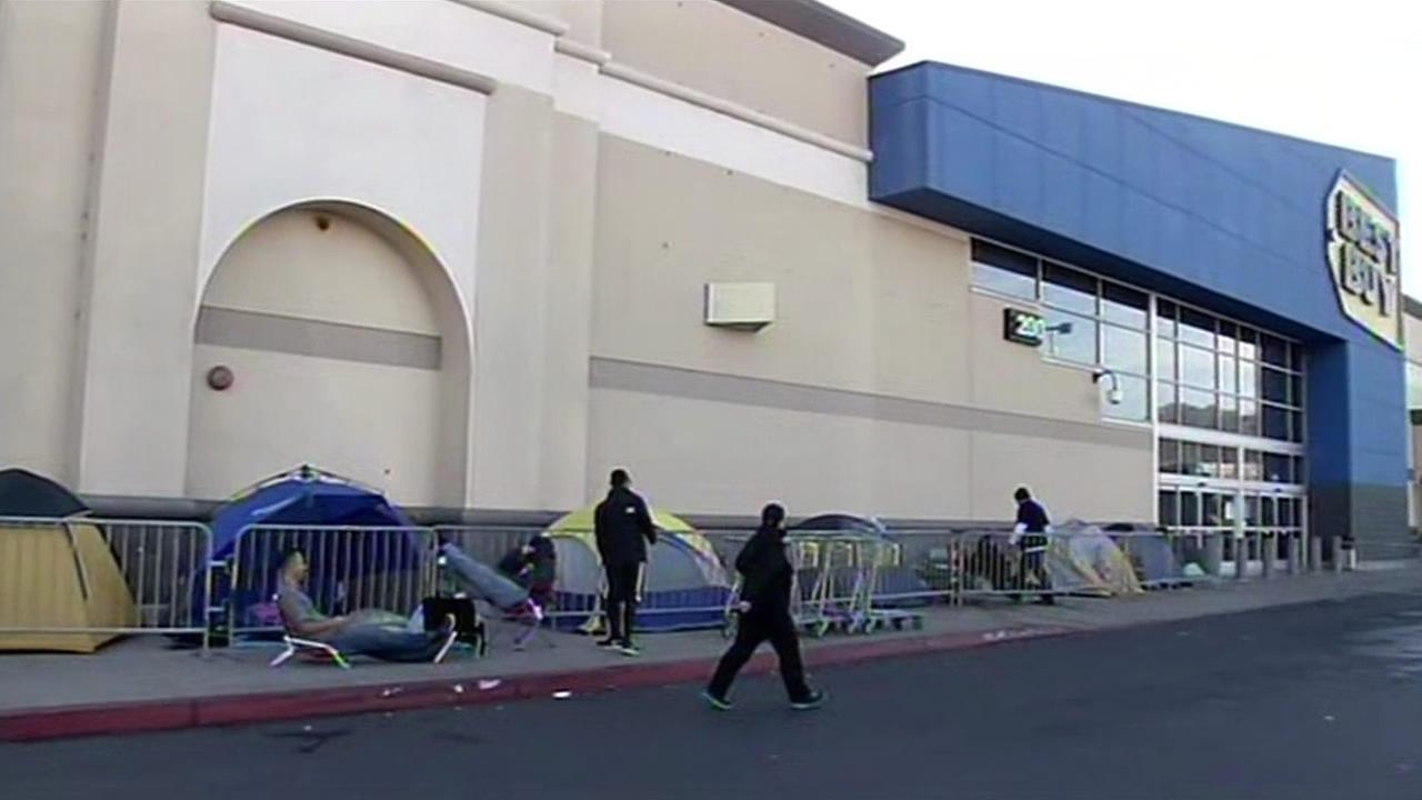 Shoppers camp out at Best Buy in Colma ahead of Black Friday.