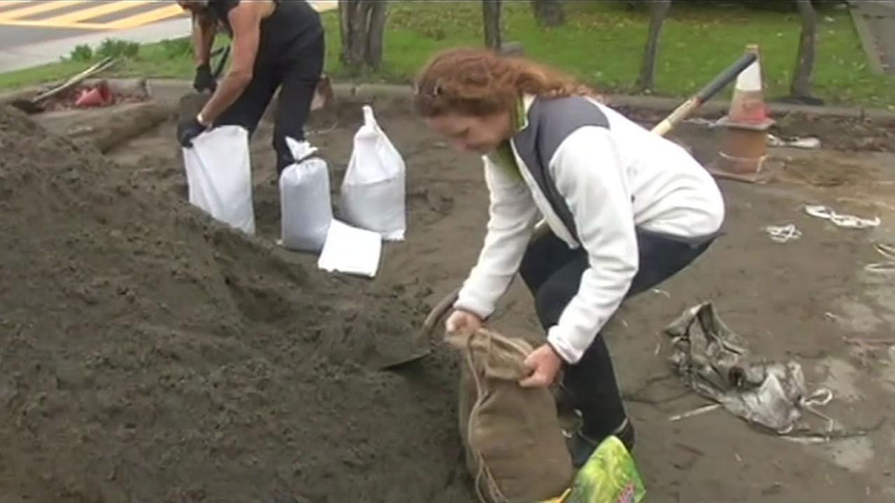 San Anselmo residents were preparing for Thursdays storm by filling sand bags to prevent flooding.