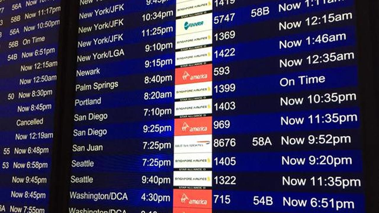 Flight delay signs