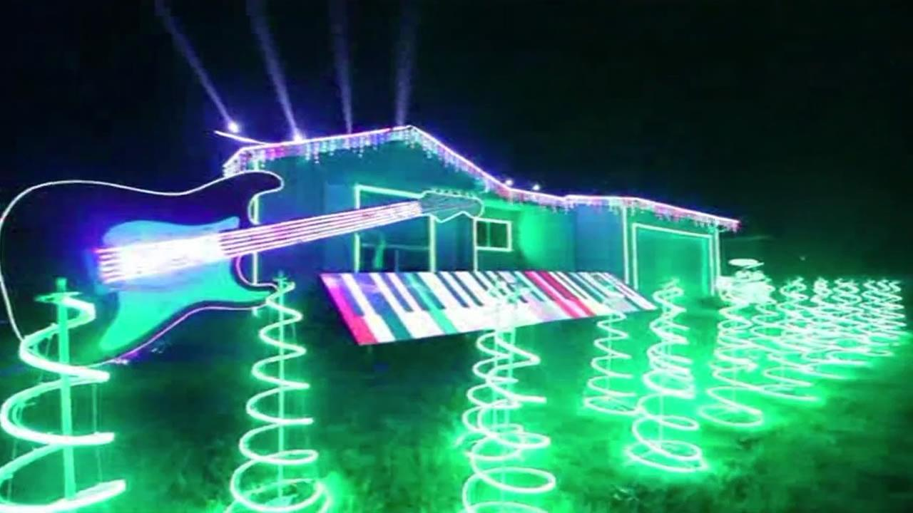 Star Wars themed holiday light display