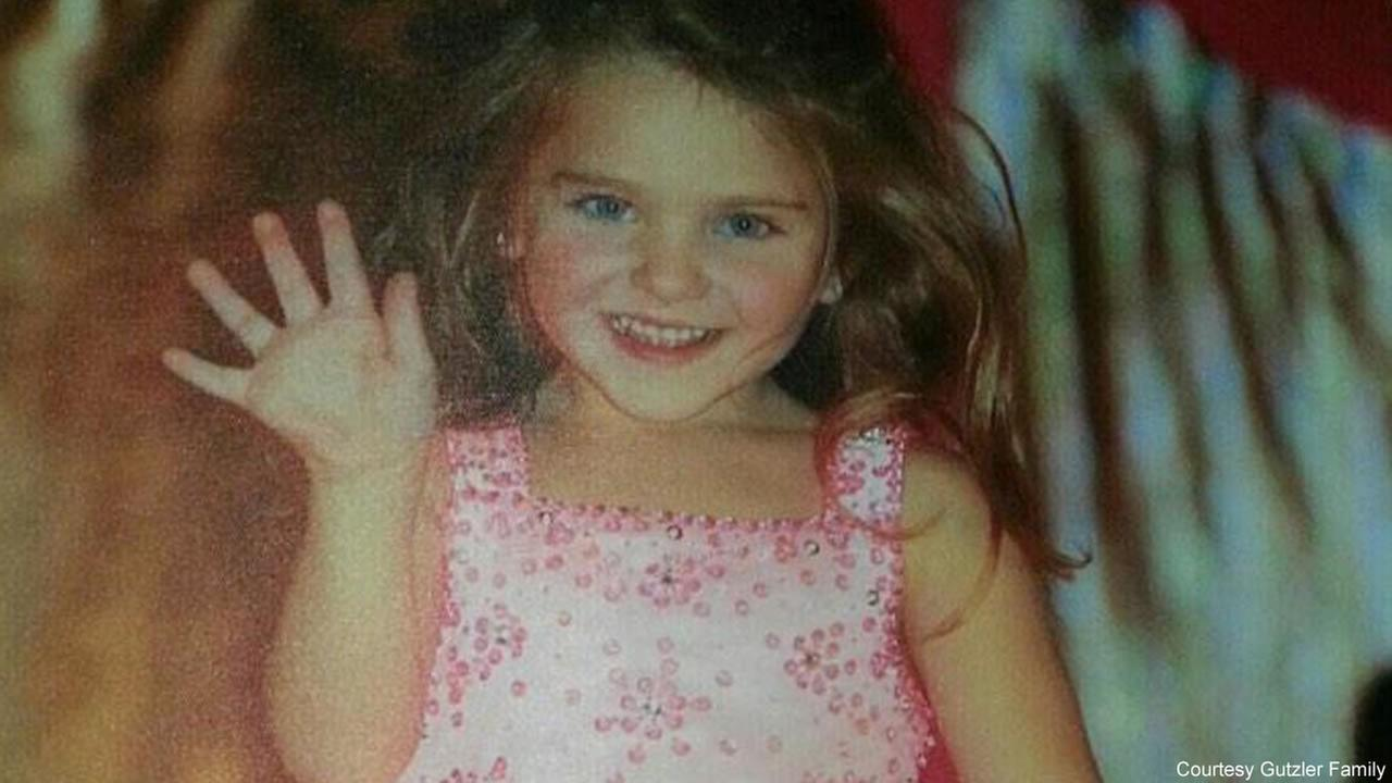 Sailor Gutzler, 7, survived a plane crash that killed her mother, father, sister, and cousin.