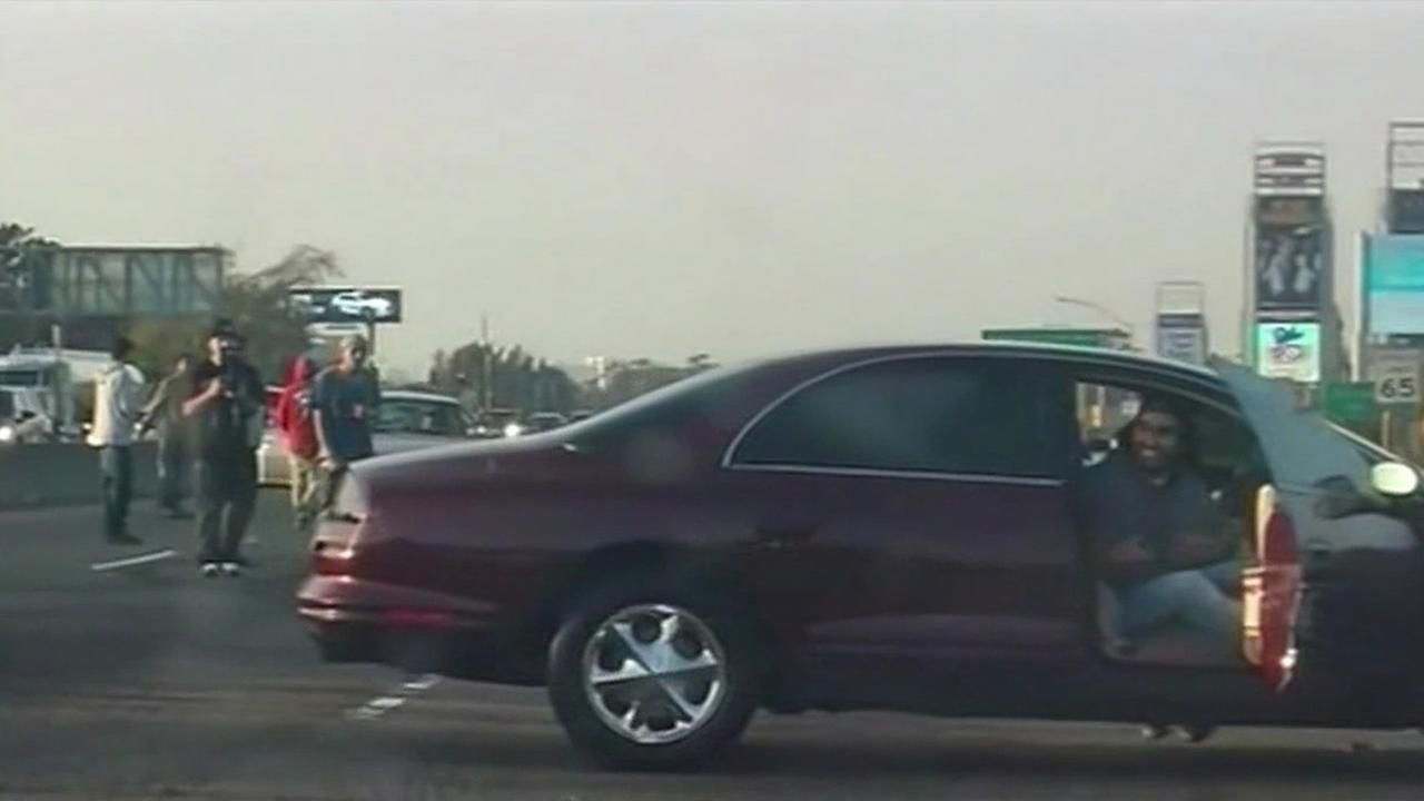 A sideshow shut down northbound lanes on I-880 in Oakland on Sunday, Jan. 11, 2015.
