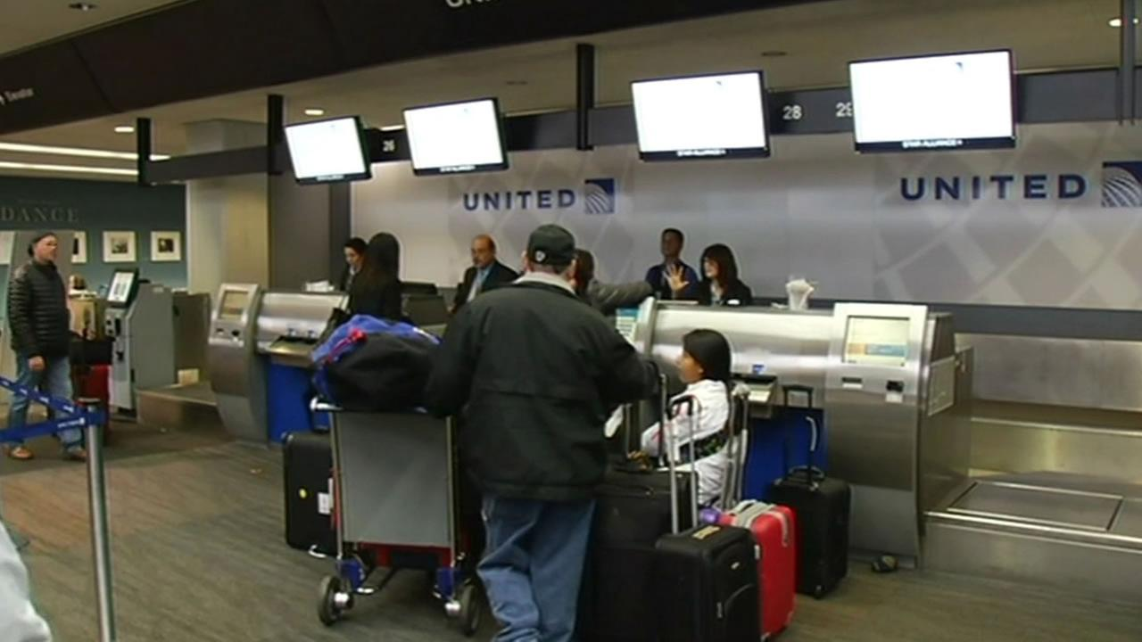 United counter at San Jose Mineta