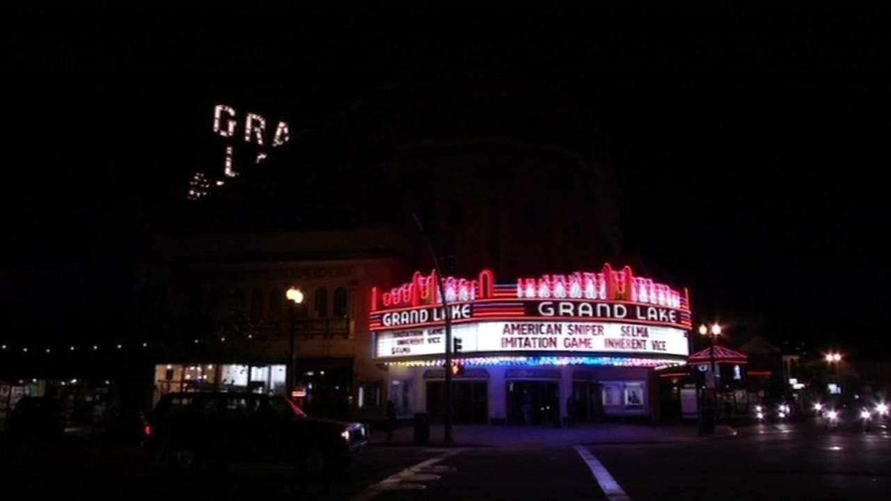 The Grand Lake Theatre marquee lights up the night sky in Oakland, Calif., Feb.2015.(ABC7/Wayne Freedman)
