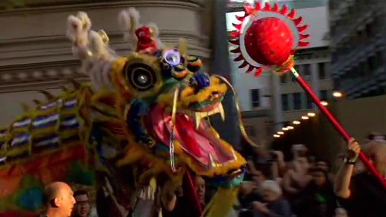chinese new year parade winds through san francisco - San Francisco Chinese New Year