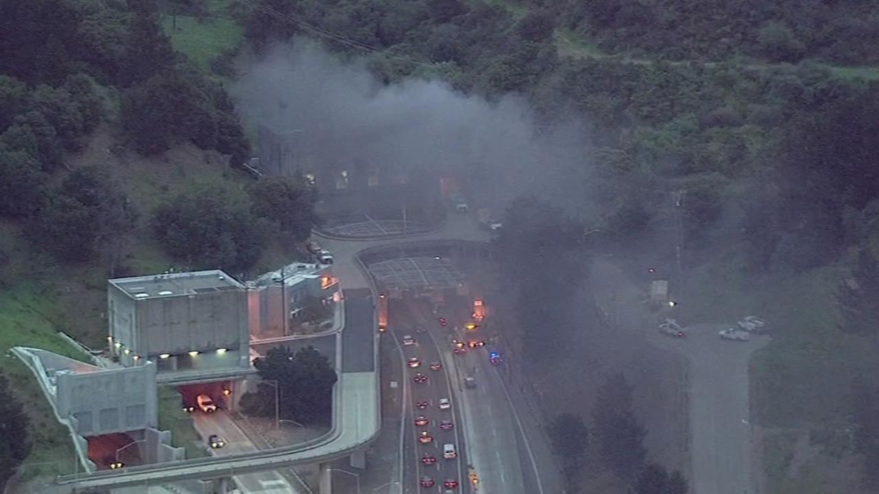 Caldecott Tunnel fire(KGO-TV)