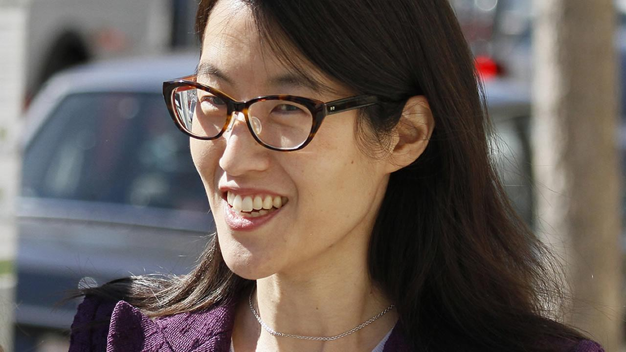 Ellen Pao leaves the Civic Center Courthouse during a lunch break in her trial Tuesday, Feb. 24, 2015, in San Francisco. (AP Photo/Eric Risberg)